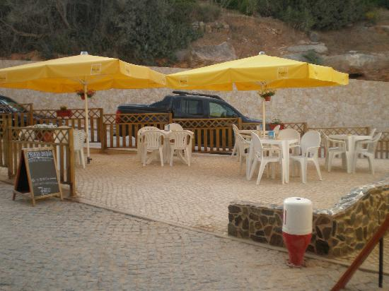 Salema, Portugal: This is where we were chilling while awaiting our table