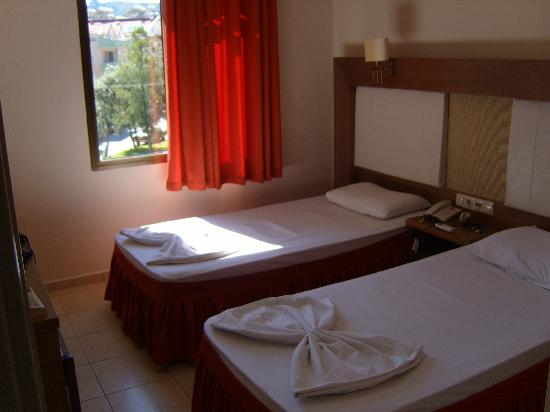 Club Evin Marmaris: bedroom