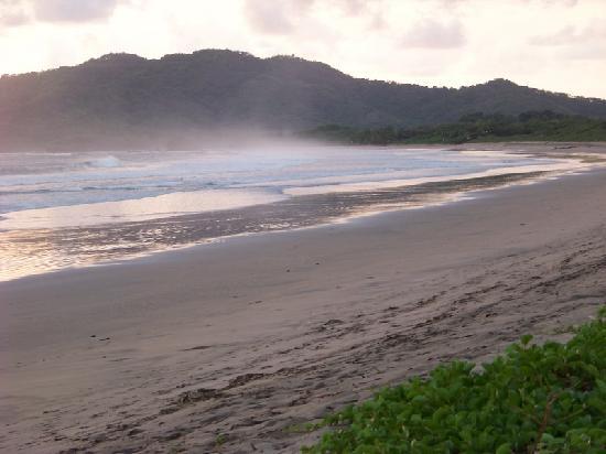 Hotel Cantarana: beach playa grande