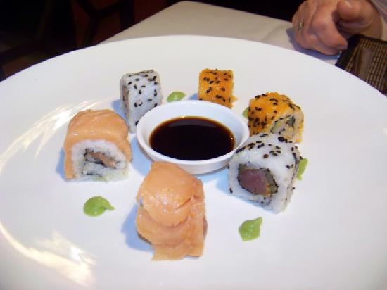 Hotel Cantarana: sushi hors-d'oeuvres