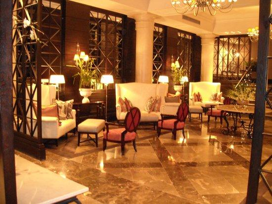 The Cape Royale: lobby