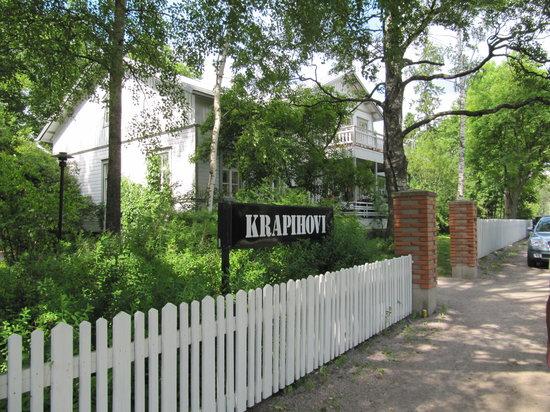 Ravintola Krapihovi: Front of the complex