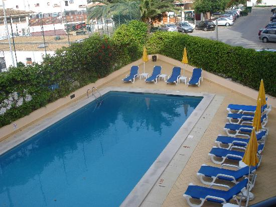 Hotel Apartamento Olhos d'Agua: The Resort Pool
