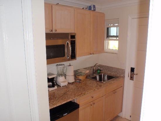 Alexandra Resort: Kitchenette