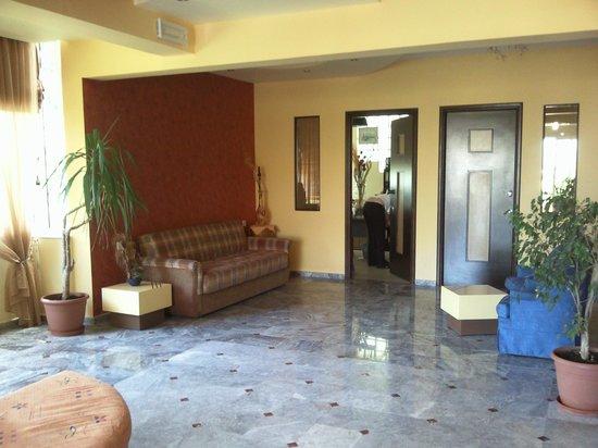 Pantheon Hotel : hotel lobby