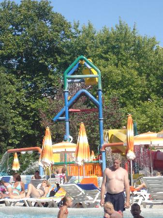 Flamingo Grand: kids pool