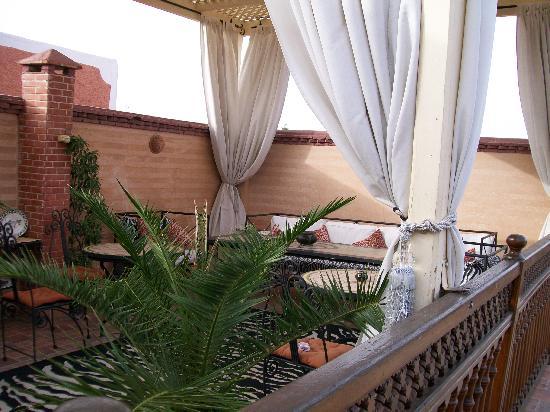 la terrazza sui tetti di Marrakech - Picture of Riad 58 Blu ...