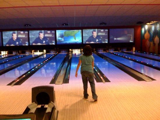 Kalahari Waterparks Bowling At The