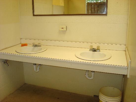 KL Ranch Camp Cliffside : Nasty bath rooms