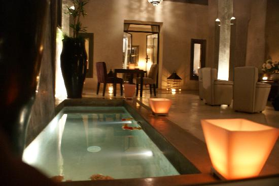 Riad Dar One: Pool