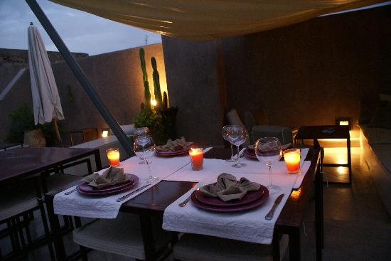 Riad Dar One: Dinner at the Roof
