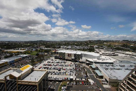 Proximity Apartments Manukau: Right next to the Westfields Shopping Mall