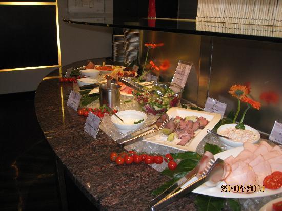 เชอราตันแฟรงเฟิร์ต แอร์พอร์ทโฮเต็ล&คอนเฟอเรนซ์ เซ็นเตอร์: Cold Breakfast buffet