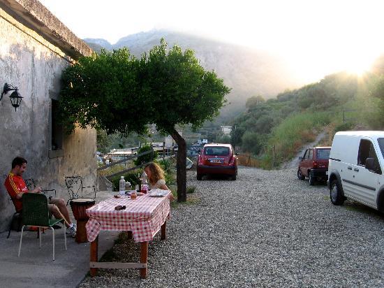 Casale Praia: Bruschetta at sunset