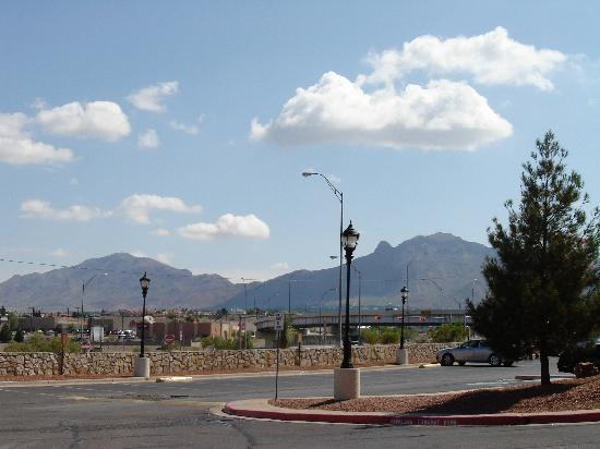 Country Inn & Suites By Carlson, El Paso Sunland Park: view of mountains from parking lot