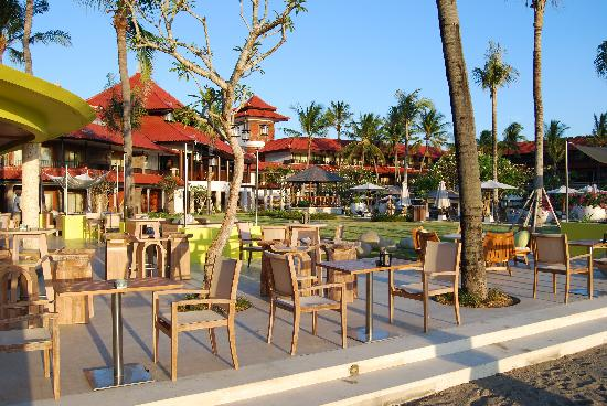 Holiday Inn Resort Baruna Bali: View from Beach