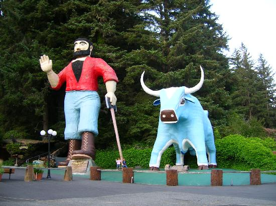 Woodland Villa Country Cabins: Paul Bunion and Ox statues