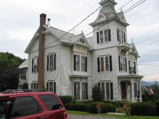 Sugar Hill Manor: External view