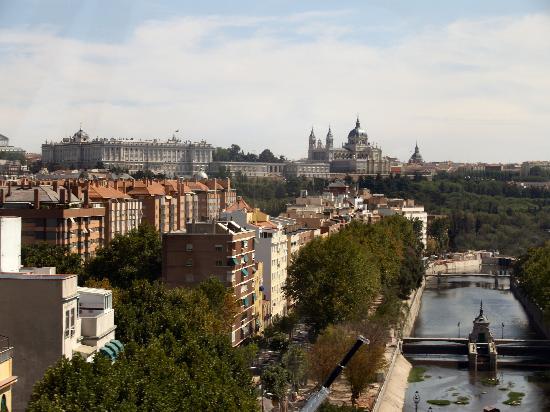 Madrid from the casa de campo cable car fotograf a de - Hoteles casa de campo madrid ...