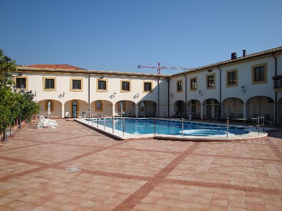 Genoardo Park Hotel: the pool