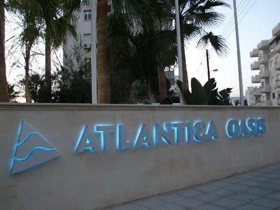 Atlantica Oasis Hotel: Front