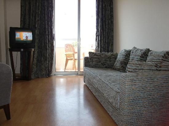 Atlantica Oasis Hotel: Lounge