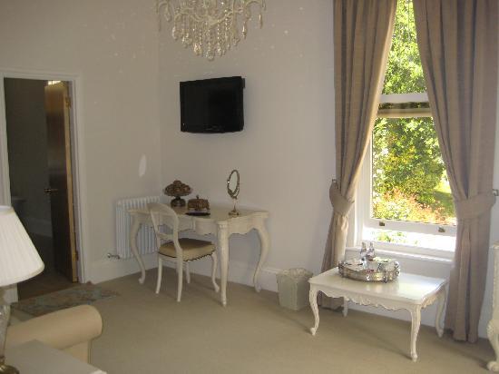 La Haule Manor : The suite's lounge area