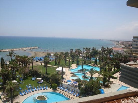 Golden Bay Beach Hotel: View of balcony