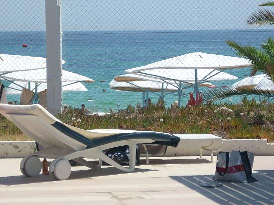 El Mouradi Port El Kantaoui: piscine au calme au bord de plage