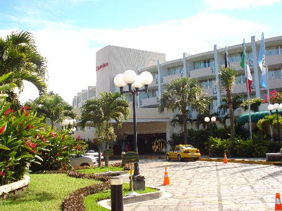 Sheraton Presidente San Salvador : view of the main entrance