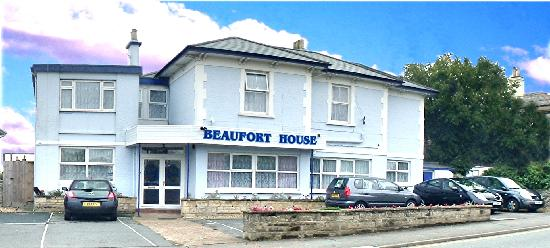 Beaufort House Guesthouse: front