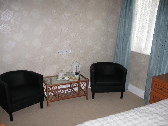 Cheltenham Lodge: Sitting area in room 3
