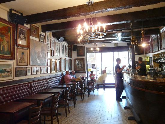 Hotel-Restaurant les Templiers: Bar