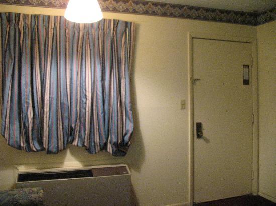 Carefree Inn: Allstate Inn room