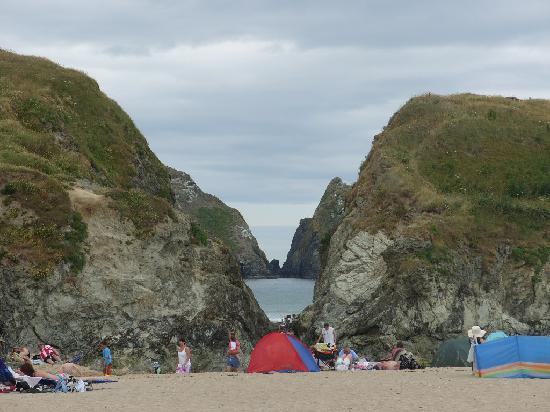 Parkdean - Holywell Bay Holiday Park: the beach