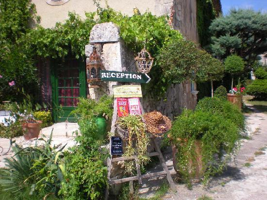Le Presbytere En Provence B U0026b  Saint Etienne Du Gres