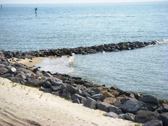 Gulf Breeze Motel: View of the Gulf at Dauphin Island