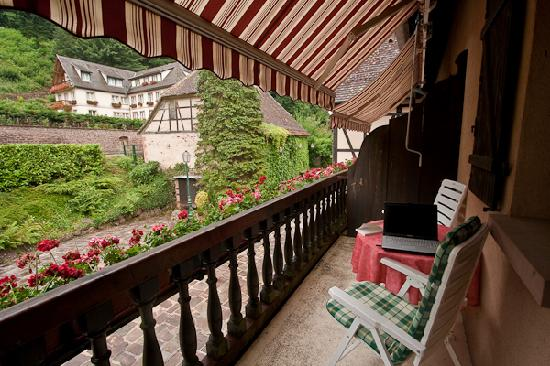 Domaine Le Moulin Hotel: Balcony