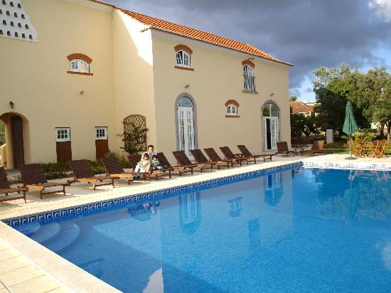 Quinta do Scoto: Swimming Pool area