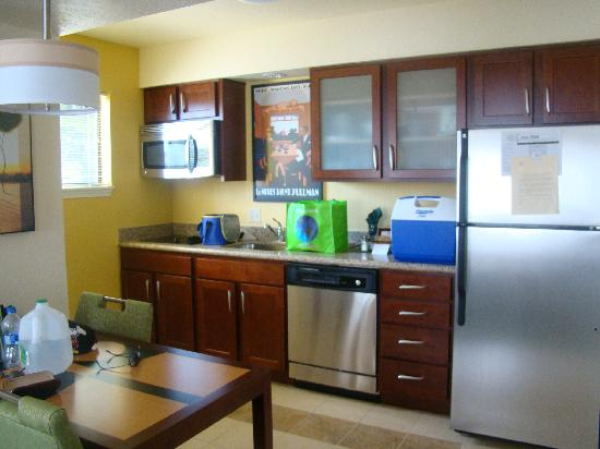 the kitchen - Picture of Residence Inn by Marriott Oxnard River ...
