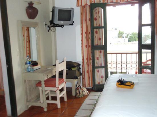 Hotel Belmar: room 21 french doors/balcony