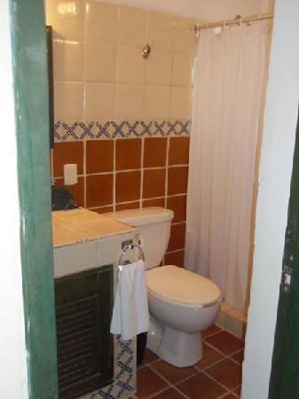 Hotel Belmar: room 21 bathroom