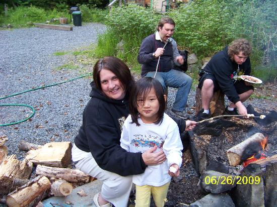 Allens Alaska Adventures: Get fire, cookout!