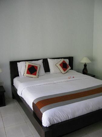 Abimanyu Villas: bedroom