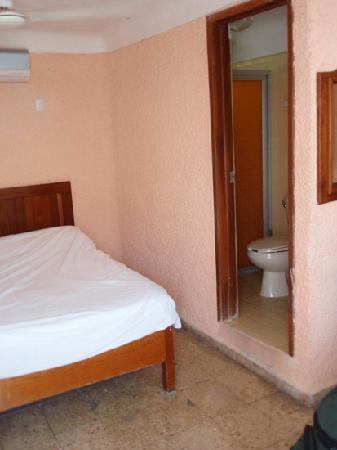 Carmelina Hotel: room 16