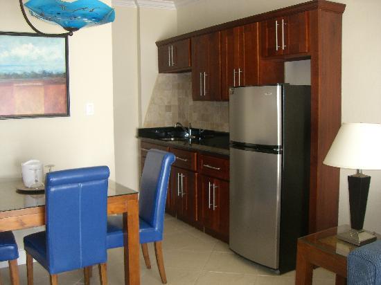 Divi Little Bay Beach Resort: One Bedroom Deluxe Hotel Room - view of Philipsburg
