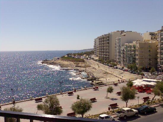 Hotel Roma: e da i balconi il tuo vicino ti vedeva in camera!!!