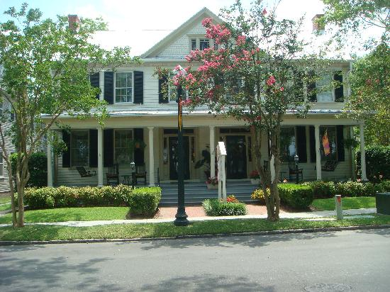 Harmony House Inn