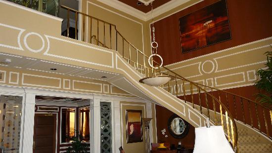 Golden nugget spa suite picture of golden nugget hotel casino las vegas tripadvisor for Golden nugget 2 bedroom parlor suite