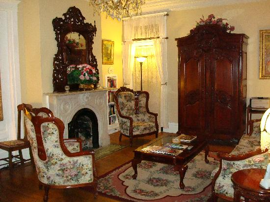 Bottger Mansion of Old Town: The Parlor
